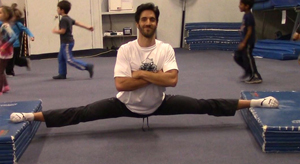 suspended splits breakdancing ninja